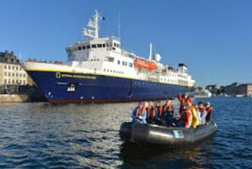 """""""Nathional Geographic Explorer"""" arriba al terminal de cruceros de Oxxean en Aysén"""