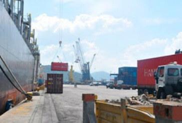 Descargan 30 mil toneladas métricas de trigo en Puerto Cabello